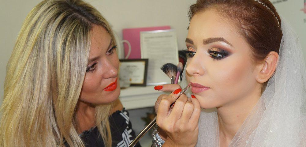 Jovana Milovanovic Mireasa Pentru O Zi La Academia De Coafor Make Up